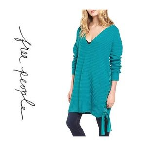 🦋NWT Free People Heart It Lace Up Sweater🦋